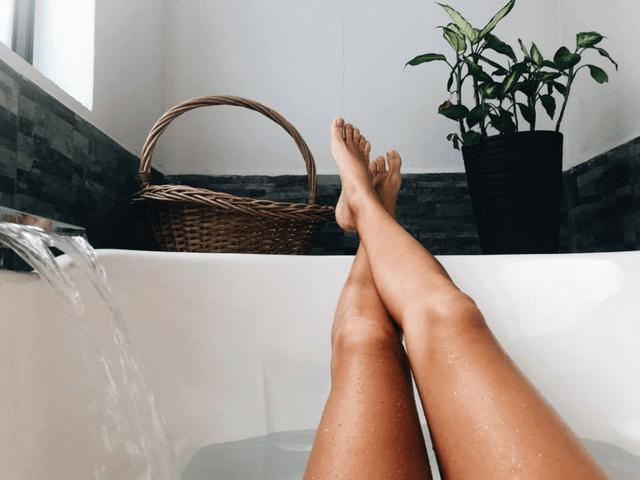 Dưỡng ẩm ngay sau khi tắm