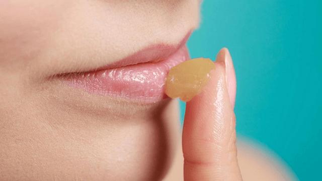 Sau 1 tháng phun xăm môi